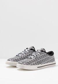 Just Cavalli - Sneakersy niskie - black - 2