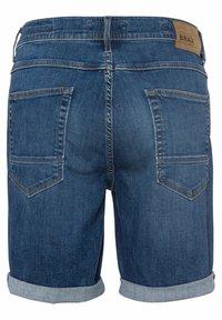 BRAX - STYLE CHRIS B - Denim shorts - authentic blue used - 6