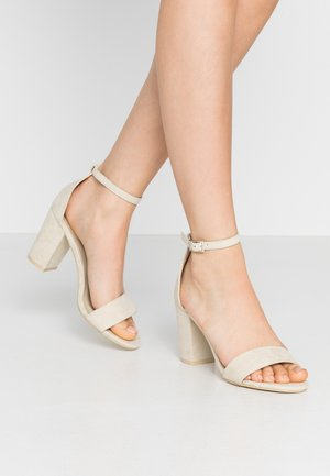BLOCK MID HEEL - Sandals - beige