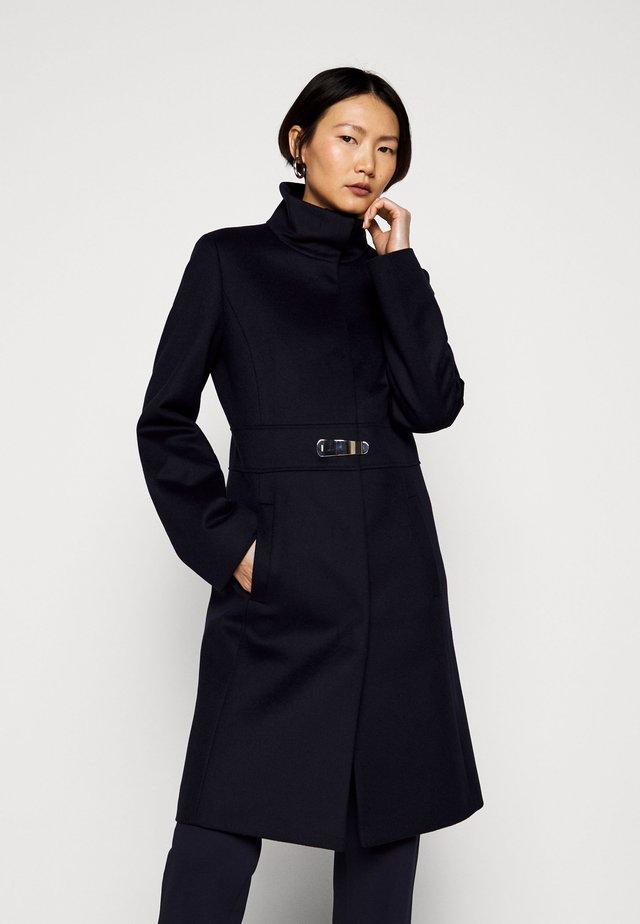 MILORA - Klasický kabát - dark blue