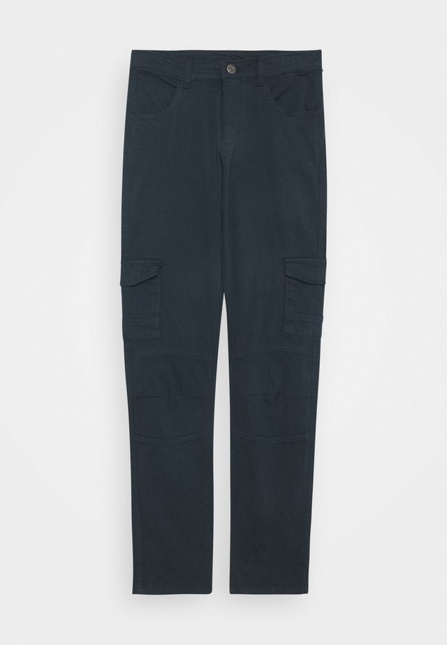 OLEG CARGO PANTS - Pantalon cargo - navy blazer