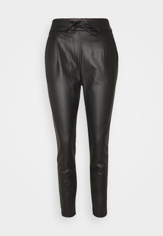 VMEVA MR LOOSE STRING COATED PANT - Pantaloni - black