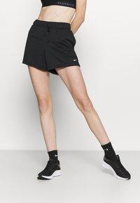 Nike Performance - SHORT PLUS - Pantalón corto de deporte - black/white - 0