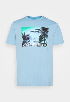 JCOPALM  - Print T-shirt - dusk blue