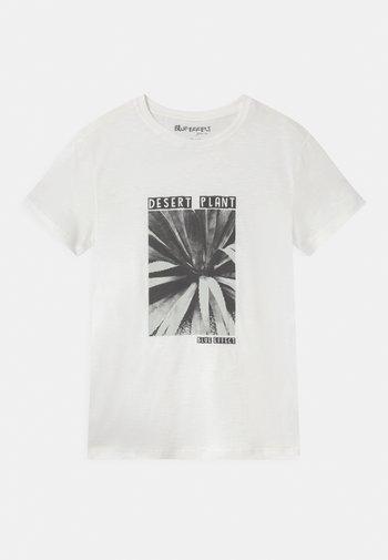 BOYS - Print T-shirt - naturweiss reactive