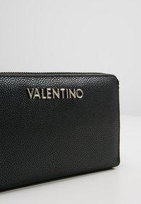 Valentino by Mario Valentino - DIVINA - Portafoglio - nero - 2