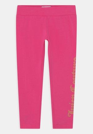 JUICY LOGO PRINT - Leggings - Trousers - pink yarrow