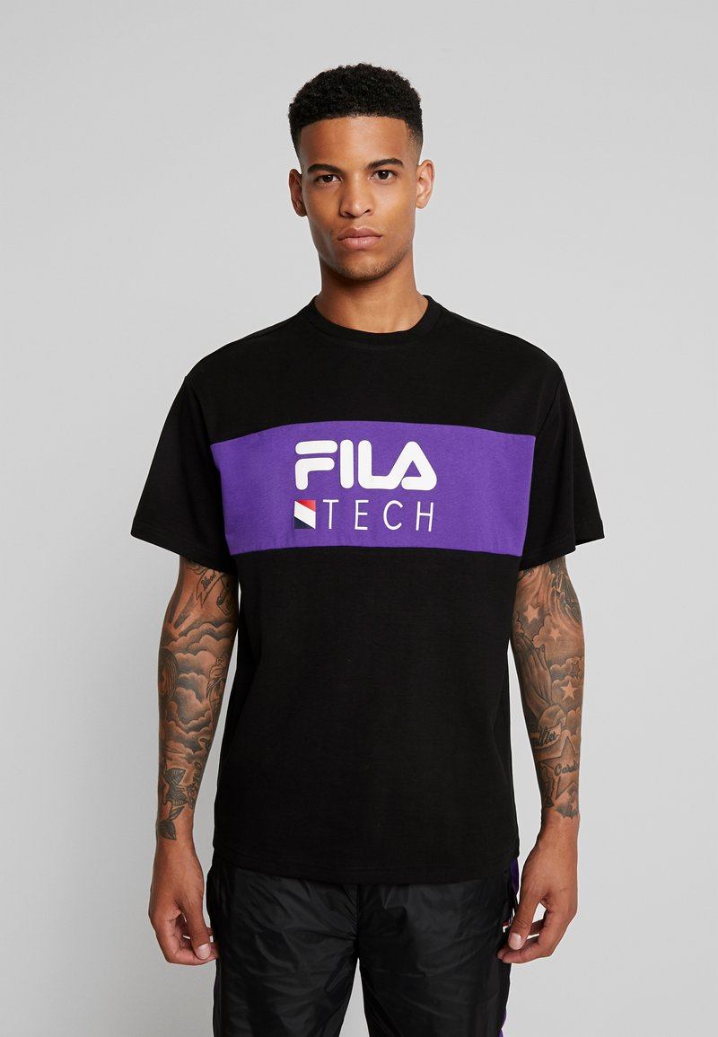 Fila - RENZ HEAVY TEE - T-shirt med print - black/tillandsia purple