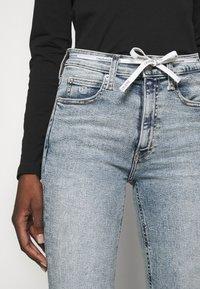 Calvin Klein Jeans - HIGH RISE - Skinny džíny - denim light - 3