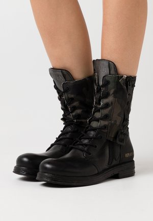 SADE DARLING - Cowboy/biker ankle boot - black