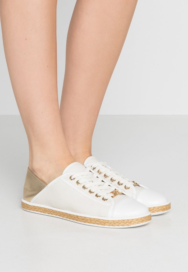 KRISTY - Espadrillas - pale/gold