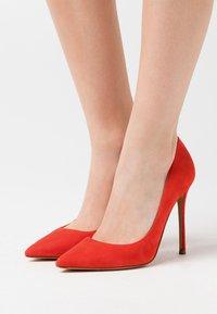 Pura Lopez - Zapatos altos - red - 0
