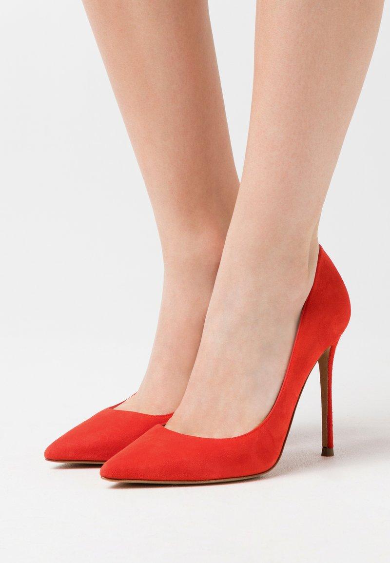 Pura Lopez - Zapatos altos - red