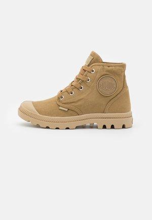 VEGAN PAMPA  - Sneakers hoog - olive/ginger