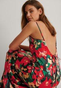 NA-KD - Maxi dress - multicolor - 3