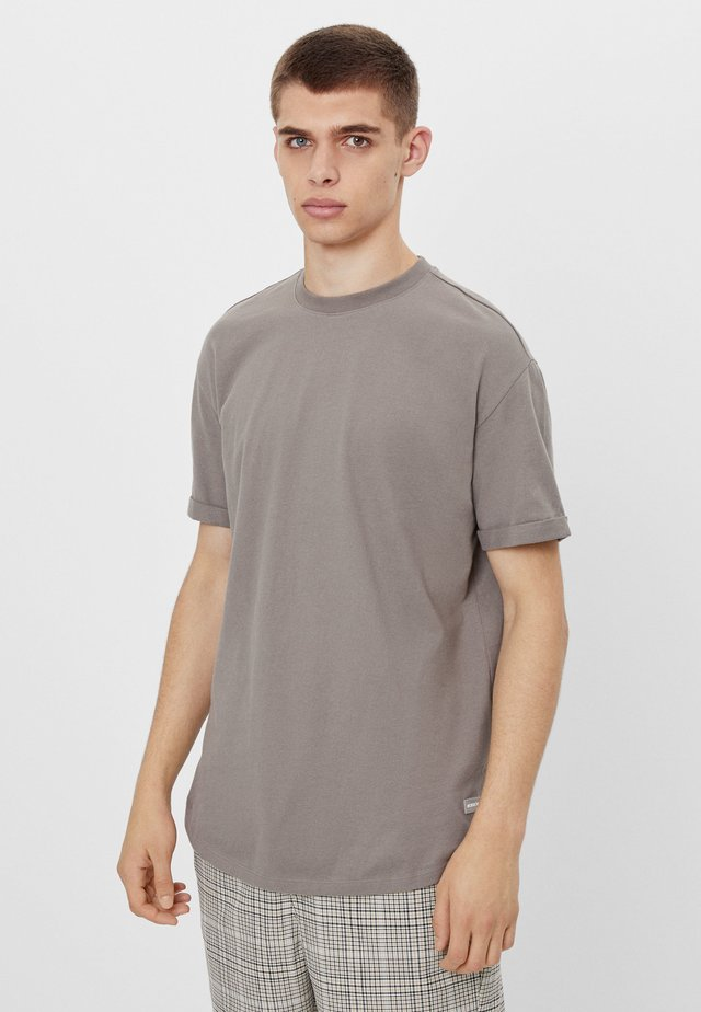 MIT KURZEN ÄRMELN - T-shirt basic - grey