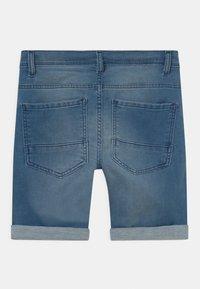 Staccato - BERMUDAS KID - Jeansshort - light blue denim - 1