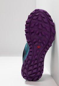 Salomon - TRAILSTER GTX - Trail running shoes - deep lagoon/navy blazer/purple magic - 4