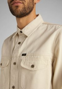 Lee - MILITARY - Skjorta - bleached sand - 5