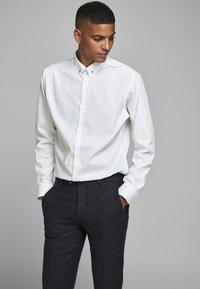 Jack & Jones PREMIUM - Formal shirt - white - 0