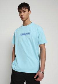 Napapijri - BEATNIK - T-shirt med print - green plume - 0
