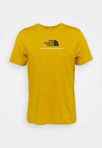 The North Face - NEW CLIMB TEE - T-shirt med print - arrowwood yellow - 4
