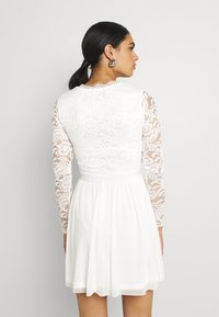 Nly by Nelly - SCALLOPED DRESS - Cocktail dress / Party dress - white - 2