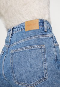 Weekday - LASH - Relaxed fit jeans - hanson blue - 4