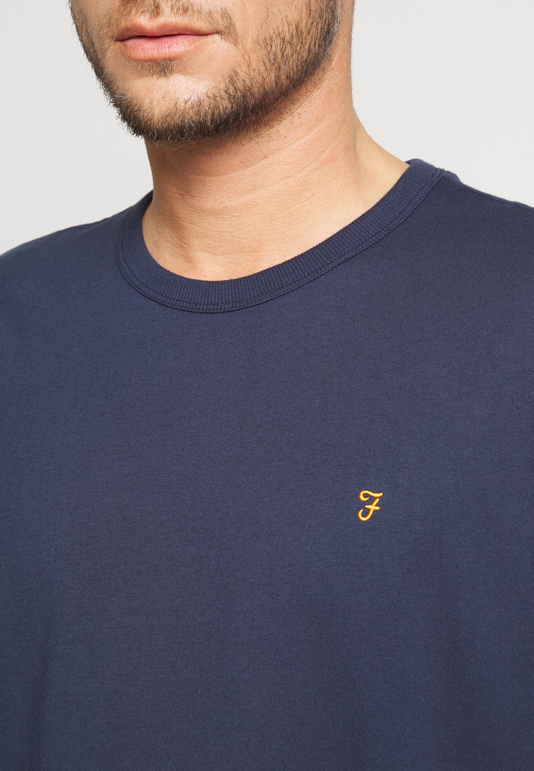 Farah COLLIER REGULAR FIT TEE - Basic T-shirt - yale um2C3