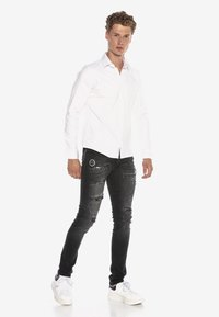 Cipo & Baxx - HECTOR - Formal shirt - weiss - 1