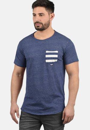 MAXTON - Print T-shirt - blue