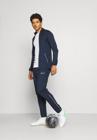 Nike Performance - DRY ACADEMY SUIT SET - Tuta - obsidian/white - 1