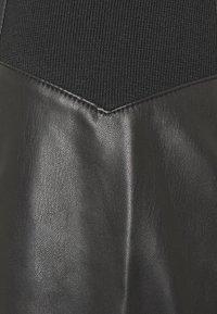 Vero Moda Tall - VMBUTTERSIA SKIRT - Pencil skirt - black - 2
