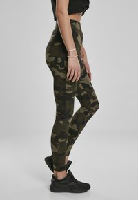 Urban Classics - Leggings - Trousers - wood camo - 3