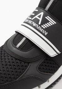 EA7 Emporio Armani - Sneakers basse - black - 5