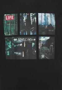 Only & Sons - ONSLIFEMAGAZINE TEE - Print T-shirt - black - 2