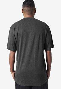 Urban Classics - T-shirt basique - grey - 1