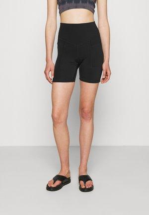 REAL ME POCKET BIKE SHORT - Shorts - true black