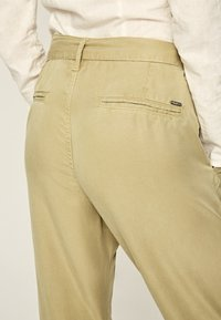 Pepe Jeans - DRIFTER - Stoffhose - herb - 4