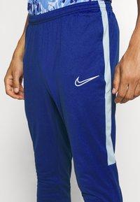 Nike Performance - DRY ACADEMY - Træningsbukser - deep royal blue/larmory blue/white - 5