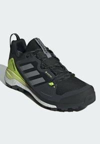 adidas Performance - TERREX SKYCHASER GORE-TEX 2.0 WANDERSCHUH - Hiking shoes - black - 1