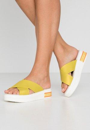DAISY - Pantofle - dandelion