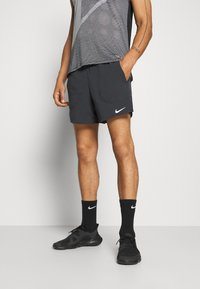 Nike Performance - STRIDE SHORT - kurze Sporthose - black - 0