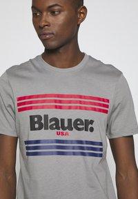 Blauer - MANICA CORTA - T-shirt med print - grigio piccione - 4
