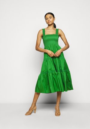 SMOCKED RUFFLE DRESS - Denní šaty - resort green