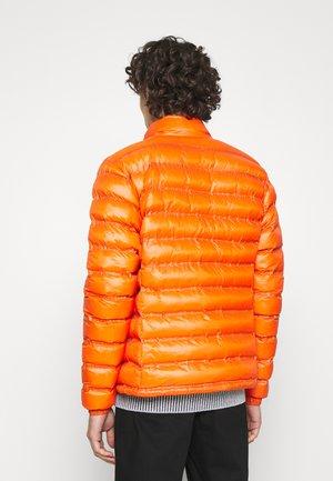 REPREVE STAND UP COLLAR - Overgangsjakker - orange