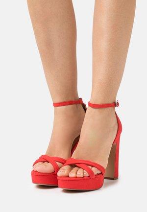 Sandály na platformě - red