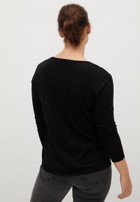 Violeta by Mango - LACE DETAIL - Sweatshirt - black - 2