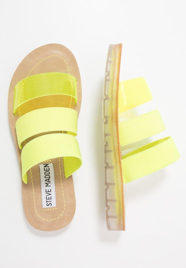 Mules - neon yellow