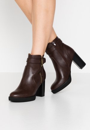 Bottines à talons hauts - dark brown